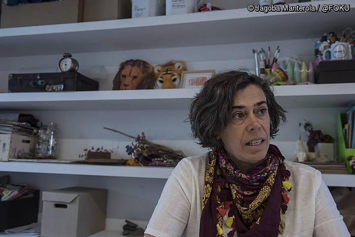 """""""Deitzen duenari belarrira esaten diodana da poesia"""""""